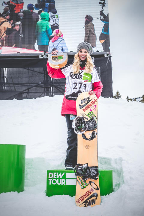 Silje på 3 plass i Dew Tour slopestyle. Fotocred: Sani Alibabic