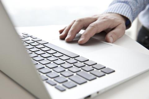 Fyra av tio vill se digital röstning i riksdagsvalet