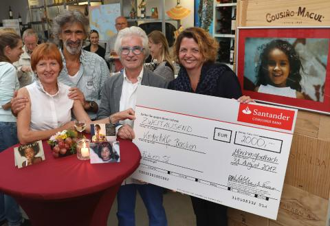 Santander spendet 2 000 Euro  an Initiative FUTURO SI