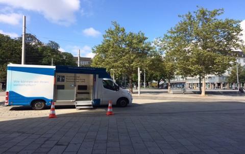 Beratungsmobil der Unabhängigen Patientenberatung kommt am 28. März nach Augsburg.