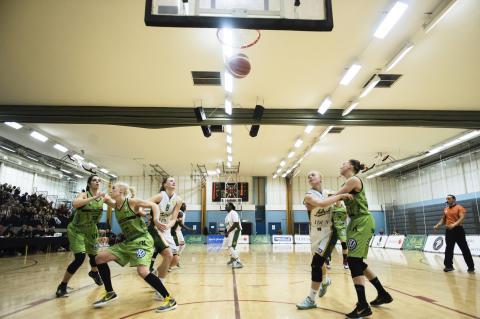 BASKET: Slutspelet närmar sig i Basketligan dam