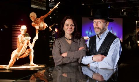 Paret bakom Body Worlds