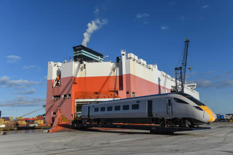 New Azuma trains arrive at UK port ahead of passenger services starting later this year