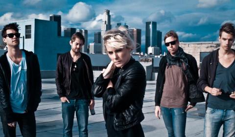 The Sounds Sverigeaktuella, turnerar med senaste albumet Something To Die For i bagaget.
