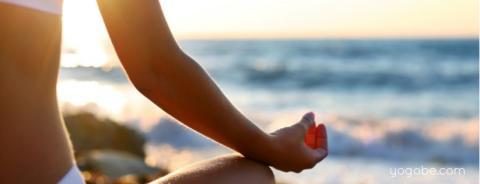 Vill du upptäcka varför yoga är en av världens snabbast växande hälsotrender?