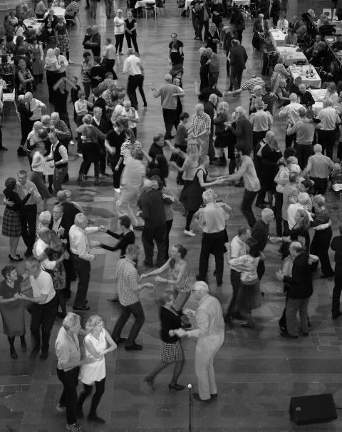 Dans i stora hallen på Nordiska museet