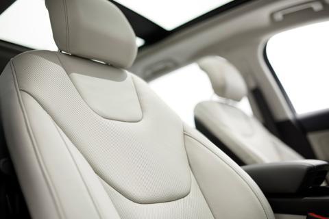 Vadonatúj Ford Edge SUV: kategóriaelső helykínálat és menetdinamika, prémium komfort és kifinomultság