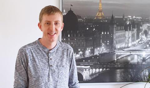 Emil Mokvist - systemutvecklare och hårdrocksartist i ett