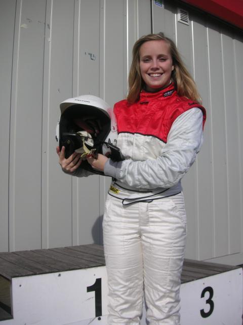 Svensk racingtjej tävlar om en plats i Volkswagen Scirocco R-Cup 2012