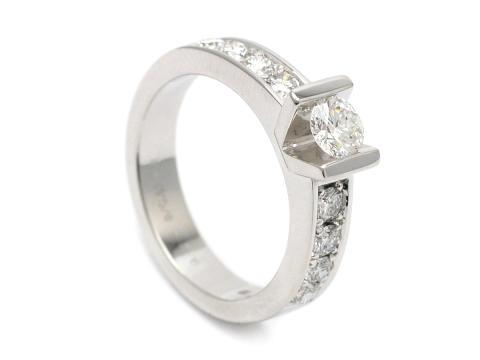 Moderna 10/5, Nr: 277, LES PAVES, ring, 18K vitguld, briljantslipad diamant 0,42 ct
