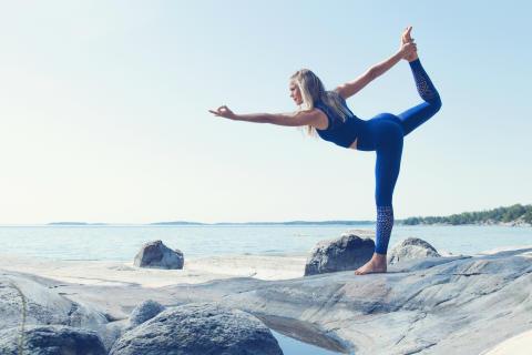 Yoga-Josefine lanserar hållbar kollektion på Stadium