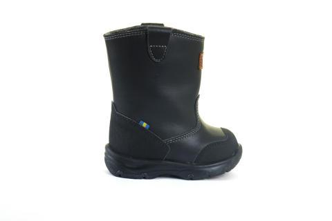 Polarn O. Pyret och Kavat nya polare - skosamarbete breddar sortimentet och klär barnen topp-till-tå