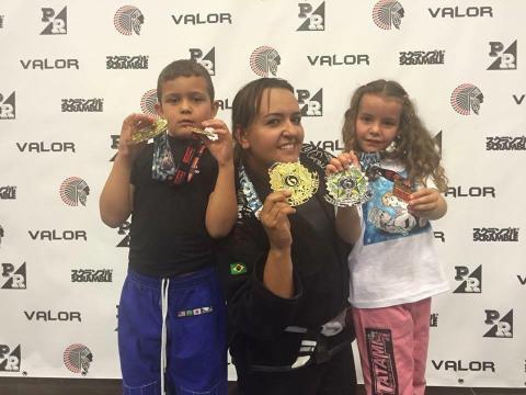 Unstoppable Girl....BJJ White Belt Thaice Pereira who says Jiu Jitsu saved her life