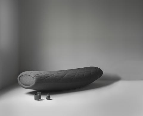 Waka, a seating furniture to drift away on