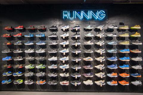 Damit der neue Running-Schuh optimal passt, ist der Hamburger SportScheck mit innovativer Laufanalyse ausgestattet.