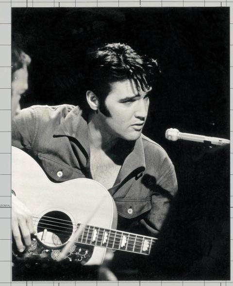 Elvis intar förstaplatsen på svenska albumlistan