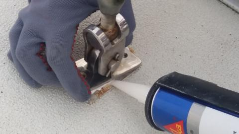 High res image - Sika - Re-sealing a chain plate