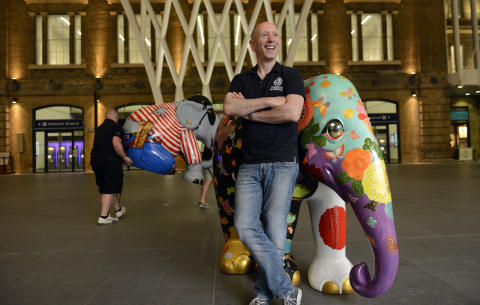 Preview elephants arrive at King's Cross