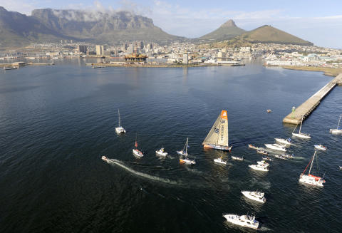 Ericsson 4 wins leg one of the Volvo Ocean Race into Cape Town, 2 November 2008