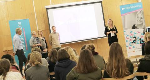 Ny högstadieturné ger unga Framtidskoll
