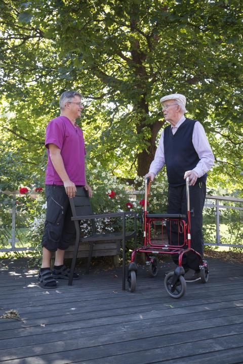 Fler heltider inom äldreomsorgen