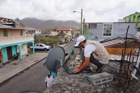 La industria satelital lanza la fase operativa de la Carta de Conectividad Humanitaria en apoyo a los esfuerzos globales de rescate de emergencias