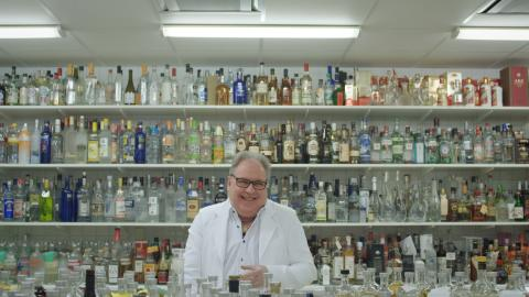 Per laughing in Absolut's lab