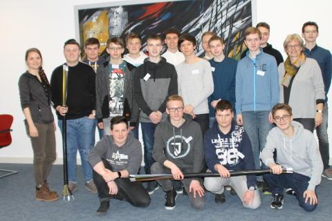 Energieversorgung heute und morgen: Jugendliche beim Energy Camp  von Westfalen Weser Energie