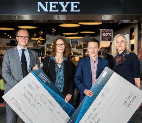 NEYE-Fonden - overrækkelse af donation 2016