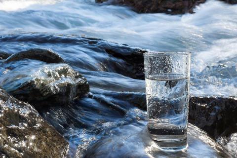 Anser inte regeringen att dricksvatten är ett viktigt livsmedel?