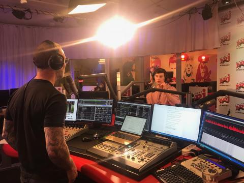 Shawn Mendes on air NRJ