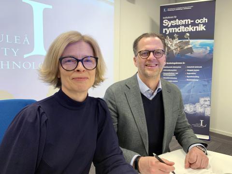 Birgitta Bergvall-Kåreborn, rektor vid Luleå tekniska universitet och Jonas Albertsson, chef för Epirocs division för teknisk utveckling, Rocktec.