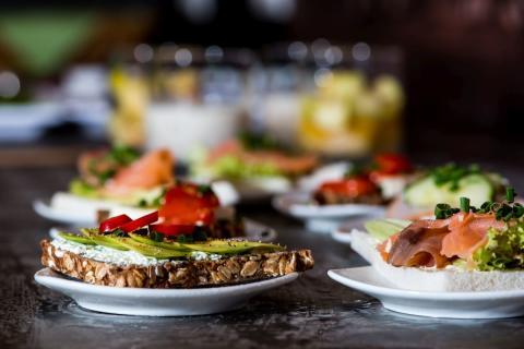 Frühstück mit frischen, regionalen Produkten