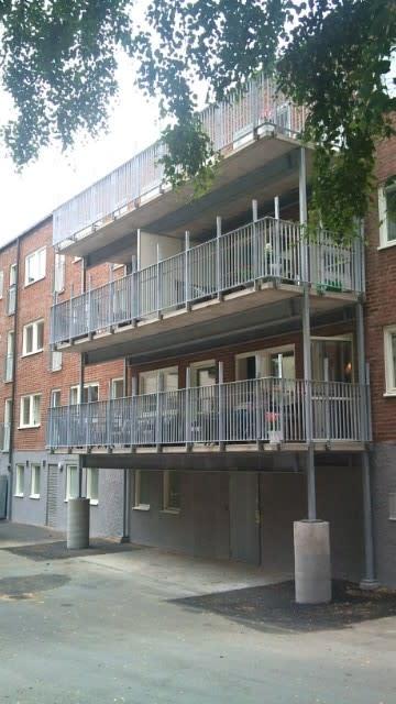 Äldreboendets nya balkonger på plats i Kortedala