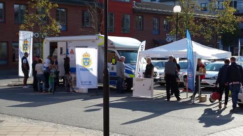 SafeTeam och Polisen Hisingen fortsätter kampanjen om att förebygga inbrott!