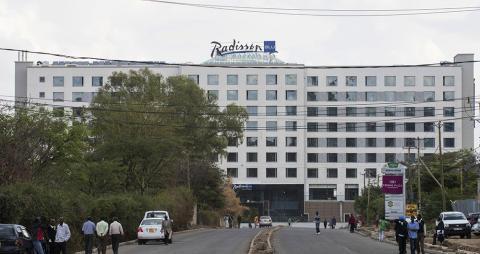 Hotellprojekt i kamp mot fattigdomen