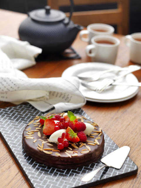 Lactose free Chocolate Cake with roasted Almonds - serving