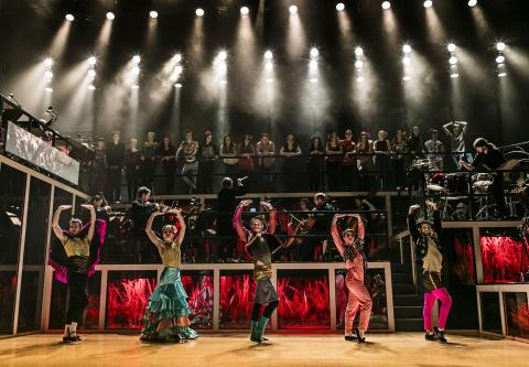 Nästa träningstrend? Testa operadans med Folkpoperan
