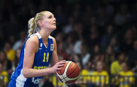 BASKET: Landslagsspelaren Lollo Halvarsson skadad