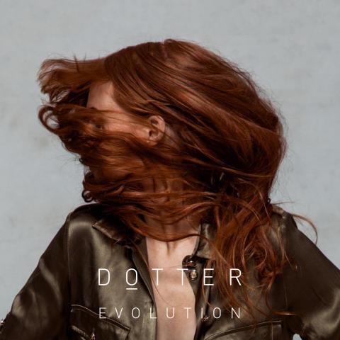 """Dotter tillbaka med ny singel """"Evolution"""""""