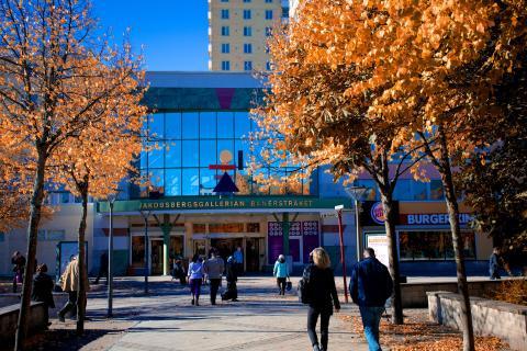 Jakobsbergs Centrum byter till förnybar geoenergi från Adven