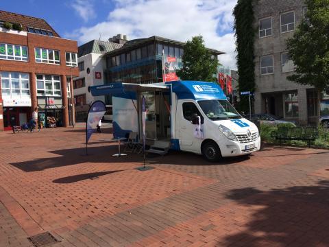 Beratungsmobil der Unabhängigen Patientenberatung kommt am 17. Oktober nach Schleswig.