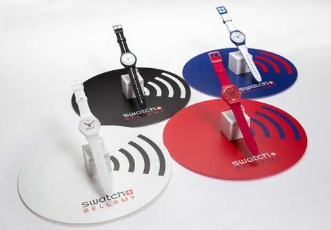 Swatch s'associe à visa pour les paiements sans contact pay-by-the-wrist