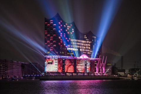 Strålande invigning av Hamburgs nya konserthus