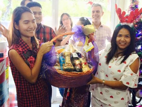 Scand-Media staff arranged lucky draw among gifts from the company's suppliers