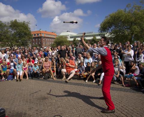 Nu startar Sveriges äldsta och enda permanenta Internationella Gatuteaterfestival! – 1-4 augusti