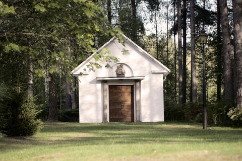 Bröllop i Målerås Kapell - minnesvärd ceremoni i en unik miljö mitt i Glasriket