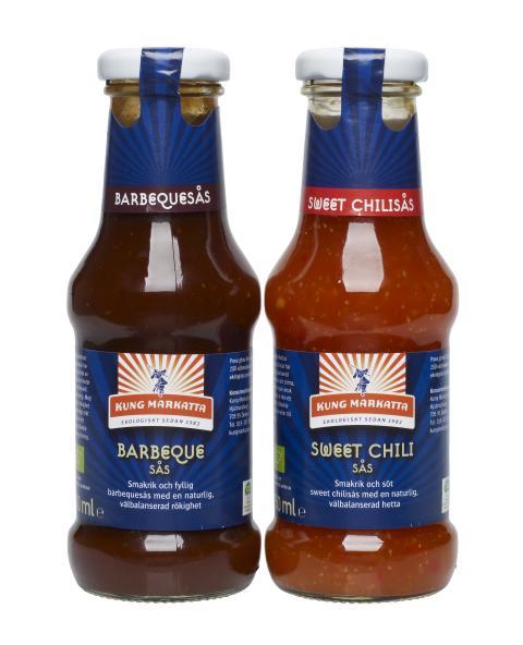 Sommarens grillsås är ekologisk! Kung Markatta lanserar Barbequesås och Sweet Chilisås.