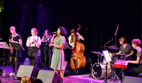 Club HepCat: Lady Swing Orchestra