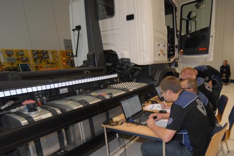 Scania-teknikere dyster på viden og kvalitet